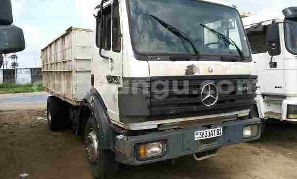 Acheter Utilitaire Mercedes Benz 190 Blanc en Kalamu