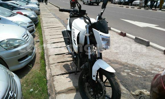 Acheter Voiture BMW X6 Blanc à Kalamu en Kinshasa