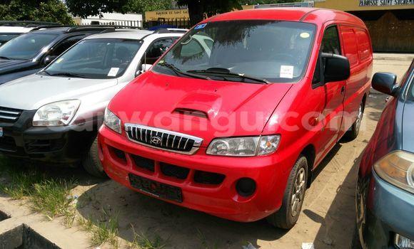Acheter Voiture Hyundai H1 Rouge à Ngaliema en Kinshasa