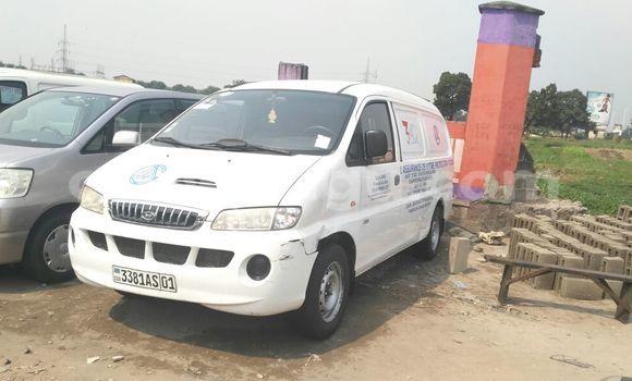 Acheter Voiture Hyundai H1 Blanc à Bandalungwa en Kinshasa