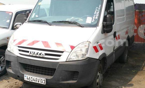 Acheter Utilitaire Iveco Daily Blanc en Kalamu