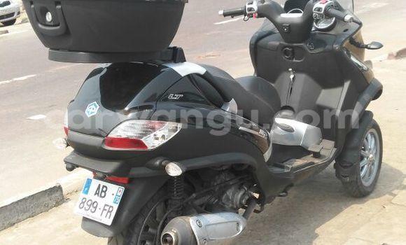 Acheter Moto Piaggio X9 Noir en Kalamu