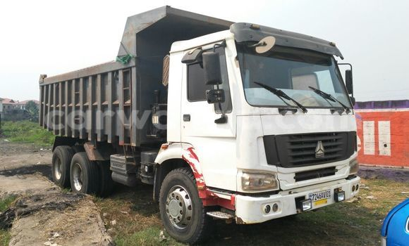 Acheter Voiture Steyr Steyr Blanc à Kalamu en Kinshasa