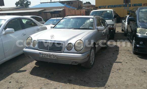 Buy Mercedes Benz 220 Silver Car in Kasa Vubu in Kinshasa
