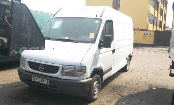 Acheter Voiture Opel Monterey Blanc en Kasa Vubu