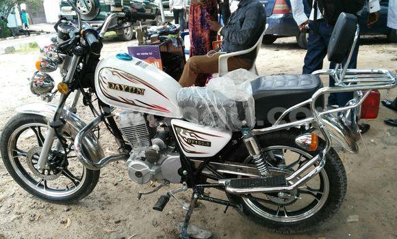 Acheter Moto Dayun DY  150-6 Blanc en Limete