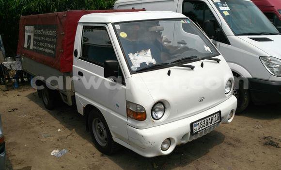 Acheter Voiture Hyundai H1 Blanc à Kalamu en Kinshasa