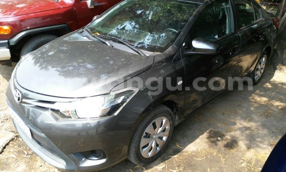Acheter Voiture Toyota Yaris Gris à Kalamu en Kinshasa