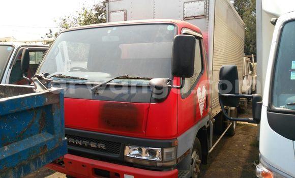 Acheter Voiture Mitsubishi Canter Fuso Rouge en Lubumbashi