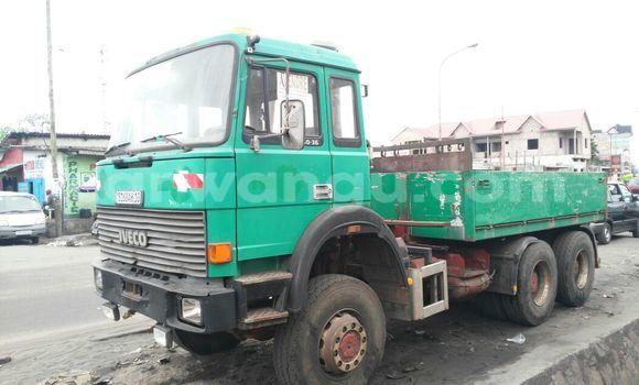 Acheter Utilitaire Iveco 260-34 Vert en Ngiri Ngiri