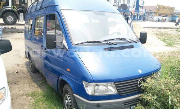 Acheter Voiture Mercedes Benz Sprinter Bleu en Limete