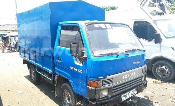 Acheter Voiture Toyota Dyna Bleu en Kalamu