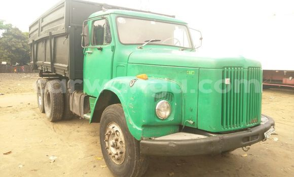 Acheter Voiture Scania 110 Vert en Kalamu