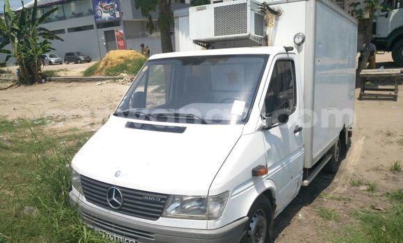 Acheter Voiture Mercedes Benz Sprinter Blanc en Limete