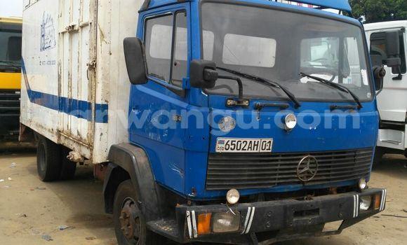 Acheter Utilitaire Mercedes Benz 814 Bleu en Bandalungwa