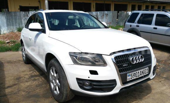 Acheter Voiture Audi Q5 Blanc à Gombe en Kinshasa