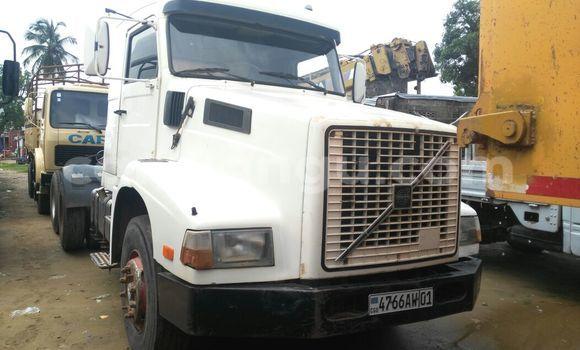 Acheter Utilitaire Volvo FH12 Blanc à Kalamu en Kinshasa
