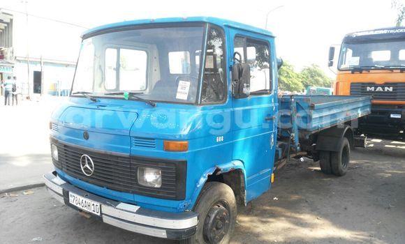 Acheter Utilitaire Mercedes Benz 608 Bleu à Kalamu en Kinshasa