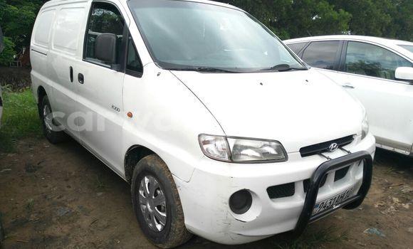 Acheter Utilitaire Hyundai H200 Blanc à Kalamu en Kinshasa