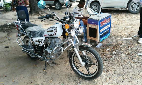 Acheter Moto Dayun DY  150-6 Blanc à Limete en Kinshasa
