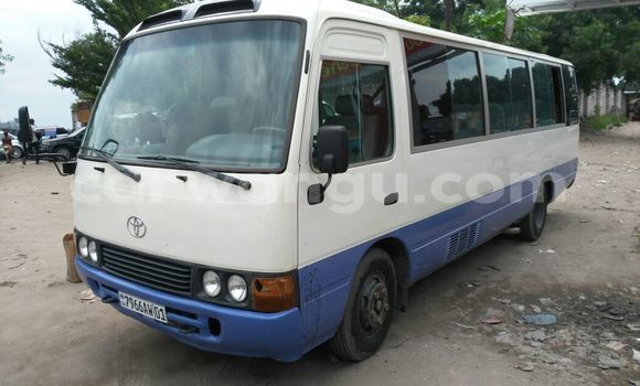 Acheter Utilitaire Toyota Coaster Blanc à Limete en Kinshasa