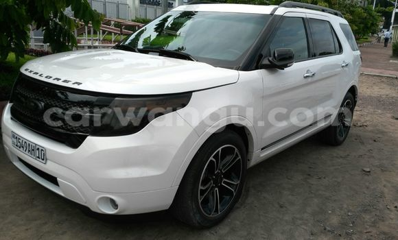Acheter Voiture Ford Explorer Blanc à Bandalungwa en Kinshasa