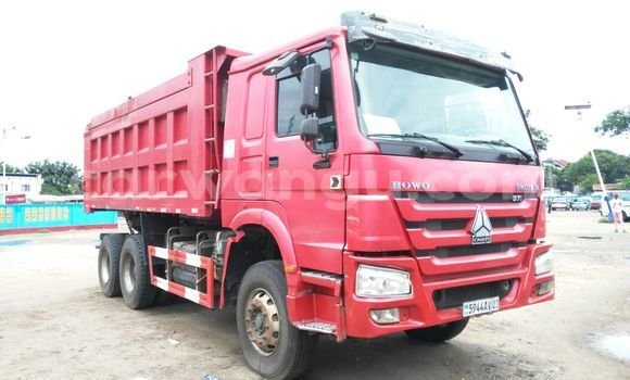 Acheter Utilitaire Sinotruk Howo Rouge en Bandalungwa