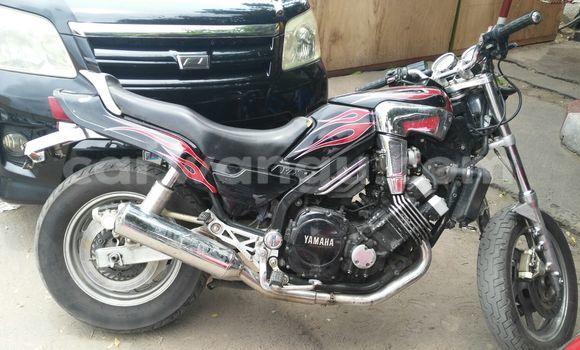 Acheter Moto Yamaha FJ 1200 Noir à Bandalungwa en Kinshasa
