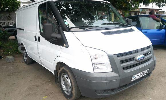 Acheter Voiture Ford Transit Blanc en Lemba