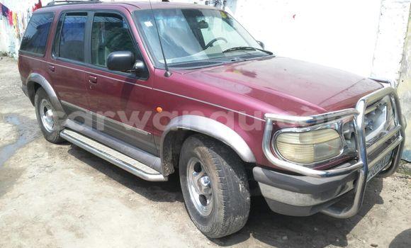 Acheter Voiture Ford Explorer Rouge en Kasa Vubu