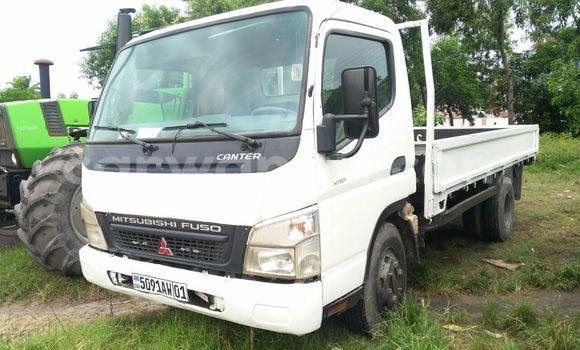 Acheter Voiture Mitsubishi Canter Fuso Blanc à Limete en Kinshasa