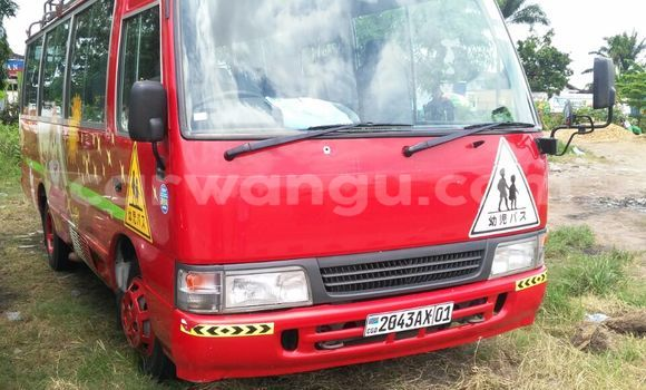 Acheter Utilitaire Toyota Coaster Rouge à Limete en Kinshasa