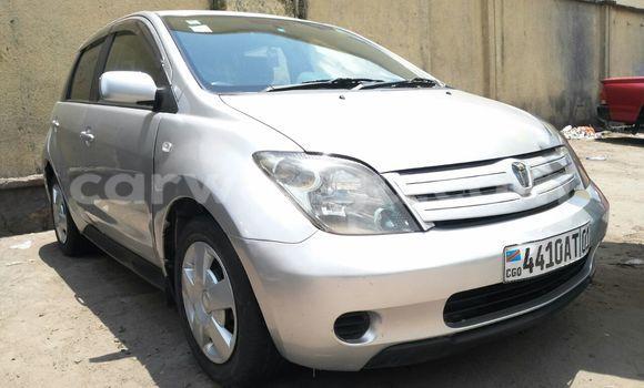 Acheter Voiture Toyota IST Gris en Bandalungwa - CarWangu