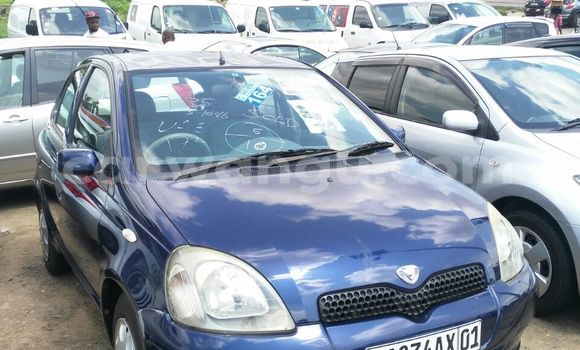 Acheter Voiture Toyota Vitz Bleu en Kalamu