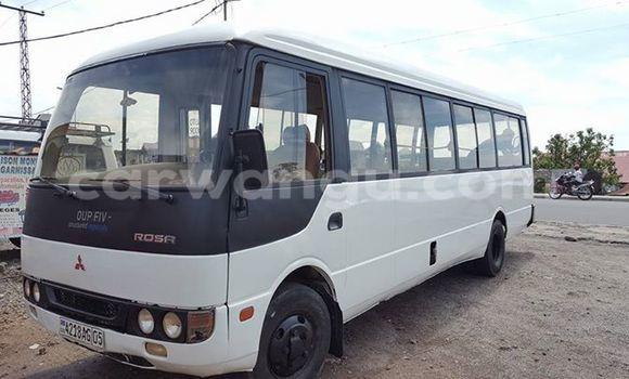 Acheter Utilitaire Mitsubishi Van Blanc à Bandalungwa en Kinshasa