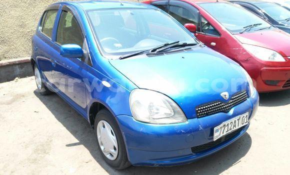 Acheter Voiture Toyota Vitz Bleu en Bandalungwa