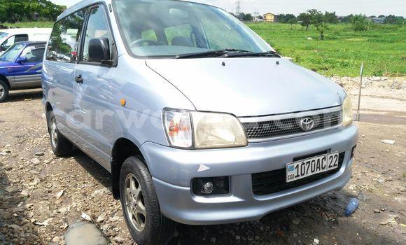 Acheter Voiture Toyota Noah Gris en Limete