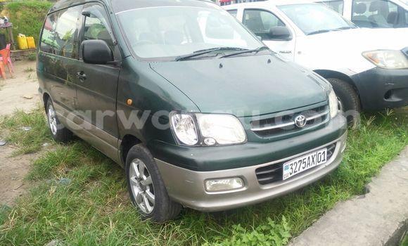 Acheter Voiture Toyota Noah Vert en Limete