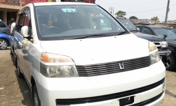 Acheter Voiture Toyota Voxy Blanc en Bandalungwa