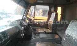 Acheter Utilitaire Nissan UD Autre en Kalamu - CarWangu