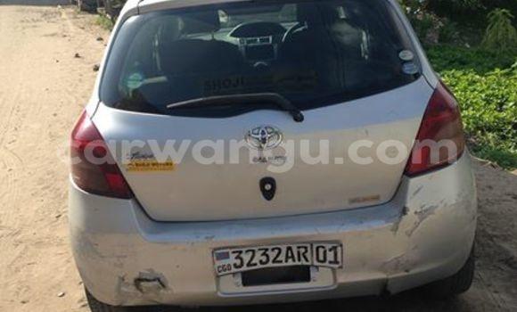 Acheter Voiture Toyota Vitz Gris en Bandalungwa