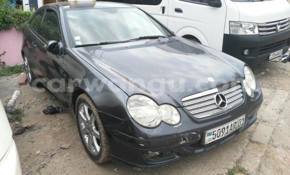 Acheter Voiture Mercedes Benz C-Class Noir en Gombe
