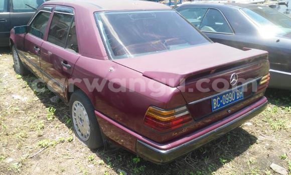 Acheter Voiture Mercedes Benz 230 Rouge en Limete
