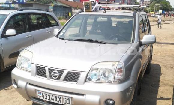Acheter Voiture Nissan X-Trail Gris en Kinshasa