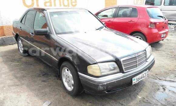 Acheter Voiture Mercedes Benz C-Class Noir en Bandalungwa