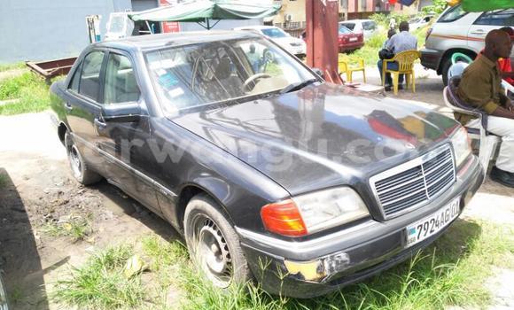 Acheter Voiture Mercedes Benz C-Class Noir en Limete