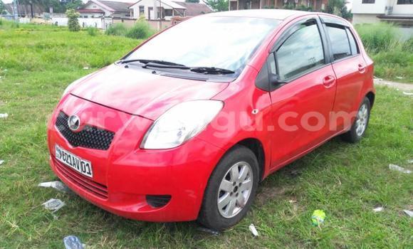 Acheter Voiture Toyota Vitz Rouge en Limete