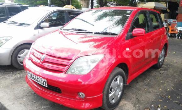 Acheter Voiture Toyota IST Rouge en Lemba