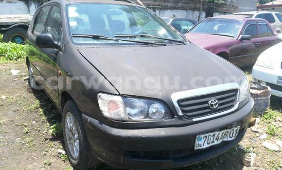 Acheter Voiture Toyota Picnic Noir à Limete en Kinshasa