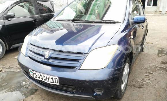 Acheter Voiture Toyota IST Bleu en Kinshasa
